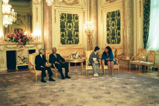 President Mandela and Mrs. Mandela speak with the Emperor and Empress Michiko during the farewell session in Asahi no Ma