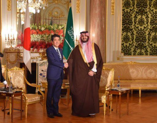 Prime Minister Abe meets with H.R.H. Prince Turki bin Mohamed bin Fahd bin Abdulaziz Al Saud, Minister of State, Member of the Cabinet of the Kingdom of Saudi Arabia.