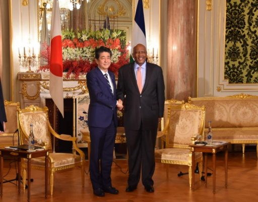 Prime Minister Abe meets with H.M. King LETSIE III, King of the Kingdom of Lesotho.