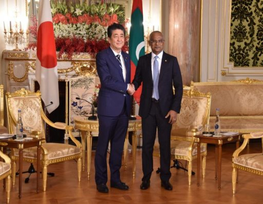 Prime Minister Abe meets with H.E. Ibrahim Mohamed Solih, President of the Republic of Maldives.