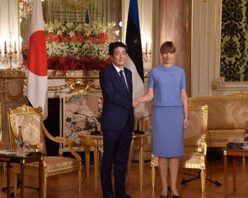 Prime Minister Abe meets with H.E. Mrs. Kersti KALJULAID, President of Republic of Estonia.