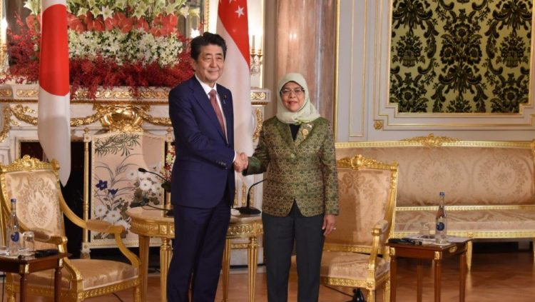 シンガポール共和国ハリマ・ヤコブ大統領との会談前の様子。